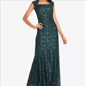 Tahari Sequin Lace Square Neck Gown Green Size 2